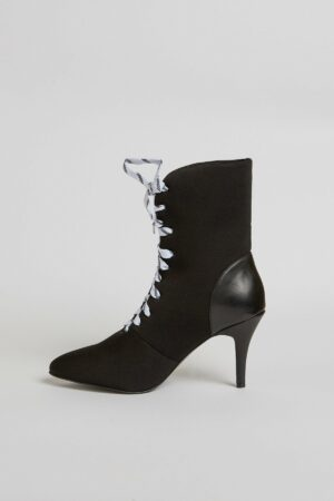 Fasten Lace Up Boot