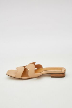 Scallop Leather Flat